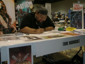 Artist Tone Rodriguez in Artists Alley